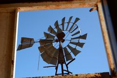 Free Windmill Detail. Curtin Springs Cattle Station. Lasseter Highway. Northern Territory. Australia Royalty Free Stock Images - 148115119