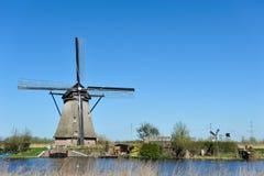 windmill för kinderdijkliggandeNederländerna Royaltyfria Foton