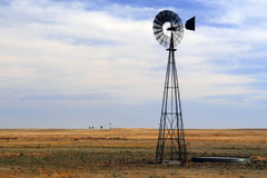 Windmill on Great Plains Royalty Free Stock Photos