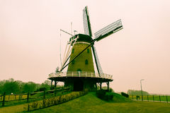 Windmill i sätta in Arkivfoton