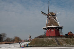 Windmill i vinter royaltyfria bilder