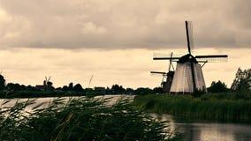 Windmill på Kinderdijk arkivfoto