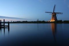 Windmill på skymningen Arkivbild
