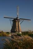 Windmolen in de polder Royalty-vrije Stock Afbeeldingen