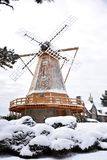 Windmolen in een Sneeuwstorm Stock Afbeeldingen