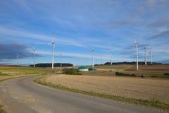 Windmolen en biogas Royalty-vrije Stock Fotografie