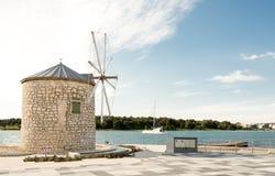 Windmolen in Medulin, Kroatië royalty-vrije stock afbeeldingen