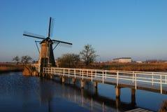 Windmolen met brug Stock Foto