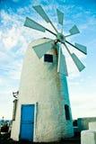 Windmolen met Mediterrane Stijl Stock Afbeeldingen