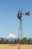 Windmolen met Onderstel Jefferson in Centraal Oregon royalty-vrije stock foto's
