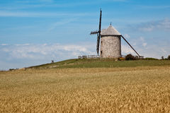 Windmolen in Normandië Stock Afbeeldingen