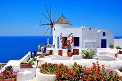 Windmolen op eiland Santorini royalty-vrije stock foto's