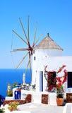 Windmolen op eiland Santorini Stock Afbeelding