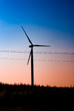 Windmolen op gebied Stock Foto