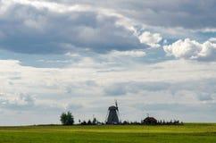 Windmolen op het gebied Royalty-vrije Stock Afbeelding