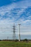 Windmolen op het platteland Stock Afbeelding