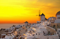 Windmolen van Oia bij zonsondergang, Santorini Royalty-vrije Stock Foto