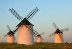 Windmolens bij Zonsondergang royalty-vrije stock afbeelding