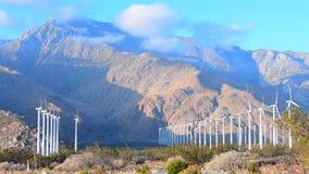 Windmolens bij zonsopgang stock video