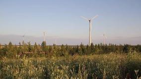 Windmolens, Energieproductie stock videobeelden