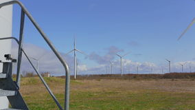 Windmolens in Estland, Europa stock footage