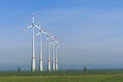 Windmolens op een rij Stock Fotografie