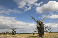 Windmolens in platteland Royalty-vrije Stock Fotografie