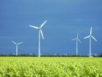 Windmolens in schijnwerper Royalty-vrije Stock Foto