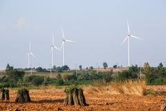 Windmolens voor vernieuwbare stroomproductie stock foto