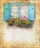 Windowbox y obturadores en el fondo de Grunge Fotografía de archivo libre de regalías