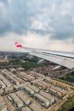 Windowm d'avion d'Air Asia photographie stock libre de droits