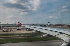 Windowm d'avion d'Air Asia image libre de droits