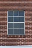 Windown rettangolare sul muro di mattoni fotografia stock