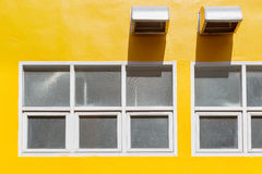 Windows和出气孔出口 免版税库存照片