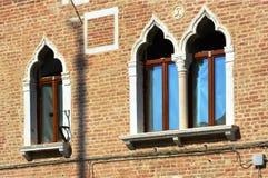 Windows在威尼托房子 免版税库存图片