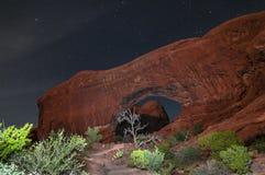 Windows拱门国家公园在晚上 库存照片