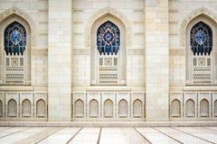 Windows盛大苏丹卡布斯清真寺 免版税库存图片