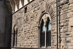 Windows średniowieczny Florencki budynek Widok z wierzchu Palazzo Vecchio, Florencja, Tuscany, Włochy zdjęcia royalty free