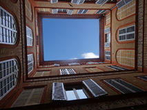 Windows в дворе Стоковые Фотографии RF