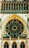 Windows в национальном соборе стоковые фотографии rf