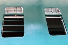 Windows в тепловозном электрическом поезде двигателя никаком 51 Стоковое фото RF