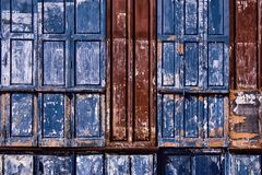 Windows закрыто с голубыми шторками стоковое изображение rf