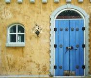 Windows и дверь Стоковая Фотография