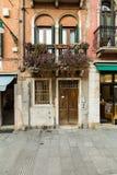 Windows и стены в Венеции Стоковая Фотография