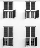 Windows на здании Стоковые Изображения