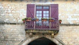 Windows на камне стены Стоковые Фотографии RF