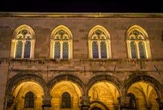 Windows на ноче Дубровнике Стоковое Фото