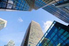 Windows офиса небоскреба, корпоративного здания в Лондоне Стоковое фото RF