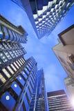 Windows офиса небоскреба, корпоративного здания в Lon Стоковое Изображение