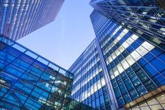 Windows офиса небоскреба, корпоративного здания в Lon Стоковая Фотография